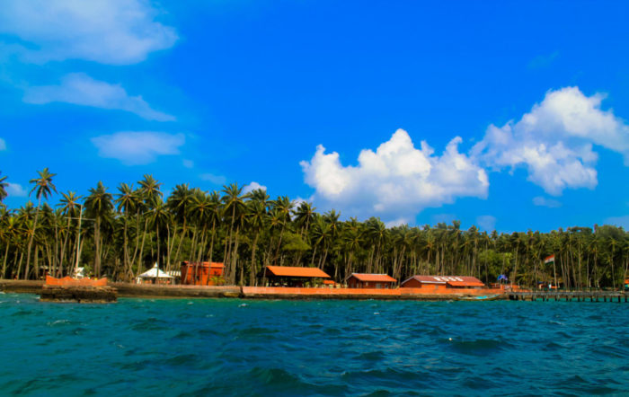 the most beautiful destinations of Andaman for honeymoon tour is Ross Island.